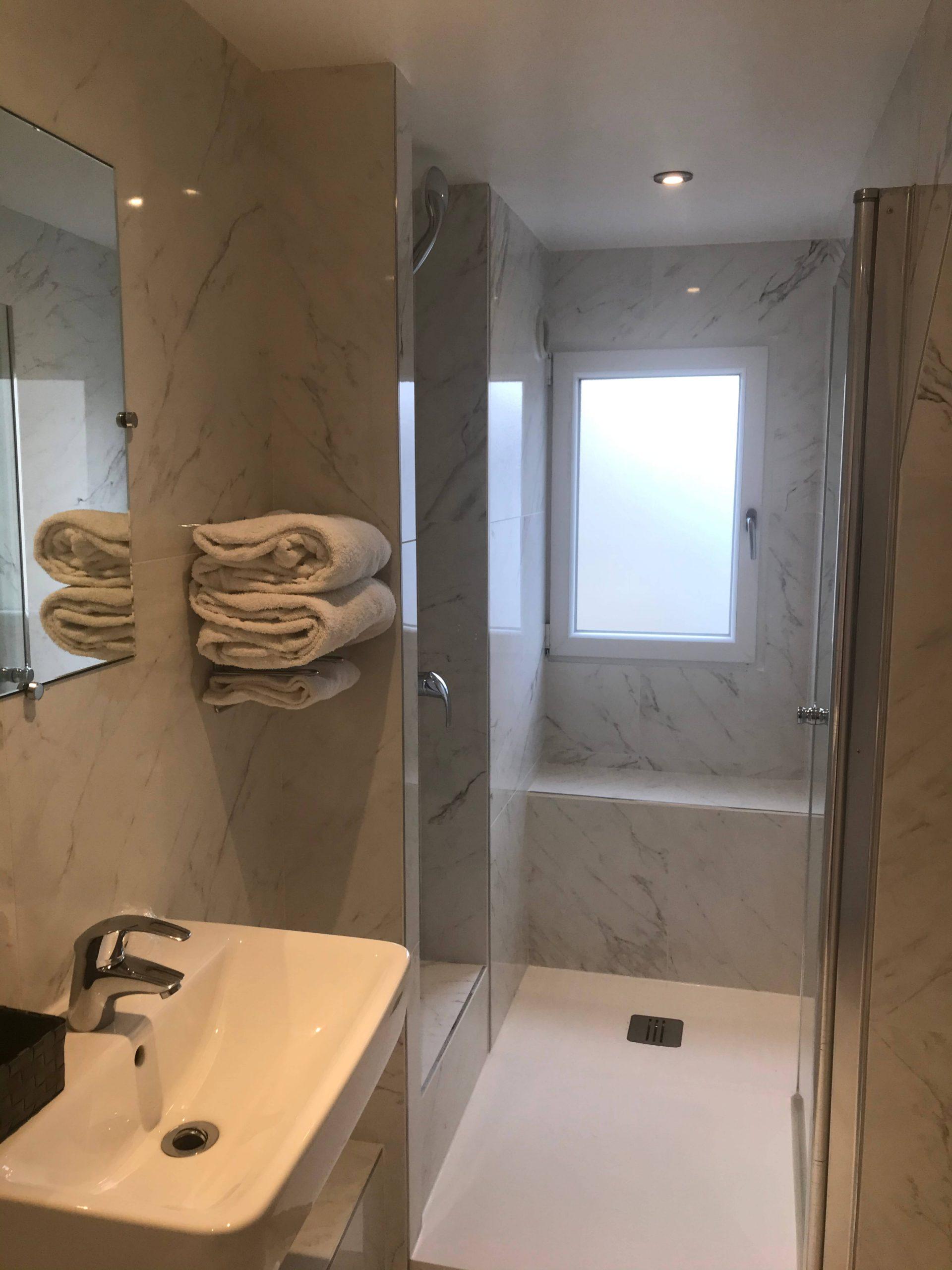 Sup double Deluxe salle de bain-2